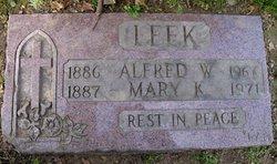 Mary K <i>Connor</i> Leek