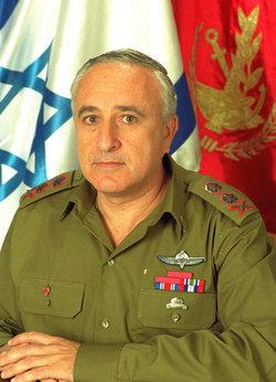 Gen Amnon Lipkin-Shahak