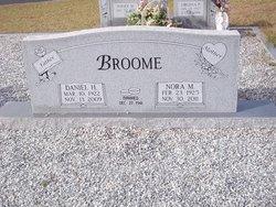 Nora Mae <i>Pettis</i> Broome