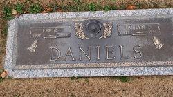 Evelyn d Daniels