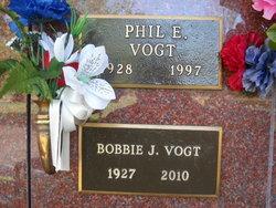 Bobbie Jean <i>Akard</i> Vogt