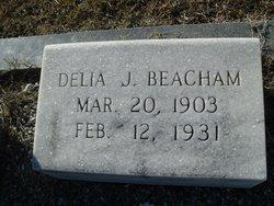 Della J Beacham