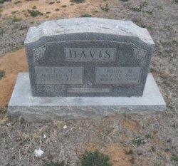 Ella Mae <i>Rudd</i> Davis