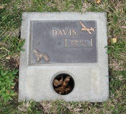 Robert James Bobby Davis, Sr