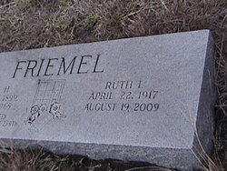 Ruth L Friemel