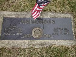 Lynn R Anderson