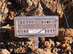 Betty <i>Hamilton</i> Bond