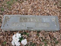 Cyrus W Riddle