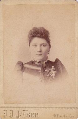 Julia Clyde Clyde <i>Little</i> Veal