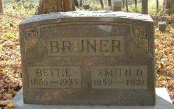 Bettie <i>Taylor</i> Bruner
