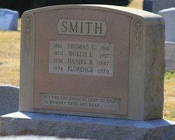 Daniel R Smith