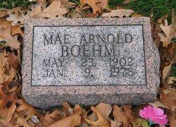 Mae <i>Arnold</i> Boehm