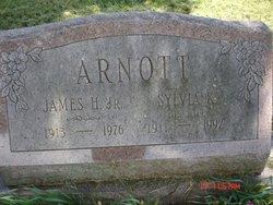 Sylvia Katariina <i>Unkuri</i> Arnott