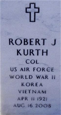 Robert J Kurth