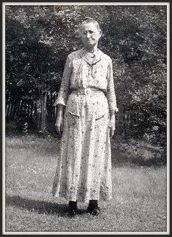 Martha Evaline Mattie <i>Douthit</i> Hilton