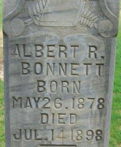 Albert Rose Bonnett