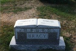 Shirley Jane <i>Moffitt</i> Bracy