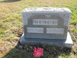 Glenna <i>Murray</i> Black