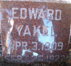 Edward Yakel