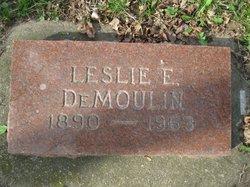 Leslie E DeMoulin