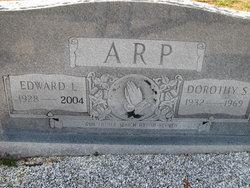 Dorothy <i>Scoggins</i> Arp