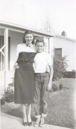 Dorothy Mae <i>Rogers</i> Gunn