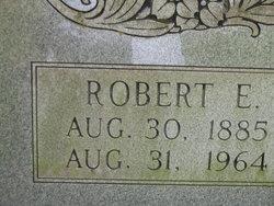 Robert E Cupp
