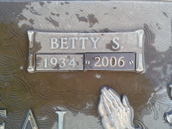 Betty Faye <i>Swinney</i> Littreal