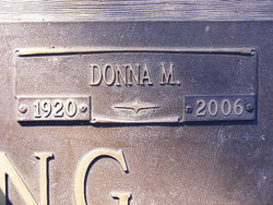 Donna M Stelling