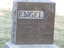 Victoria <i>Seyller</i> Engel