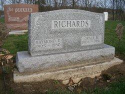 Raymond D Richards