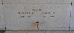 Willard R Oliver