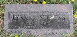 Lynn R Stevens