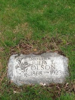 Julia Tomina <i>Listul</i> Olson