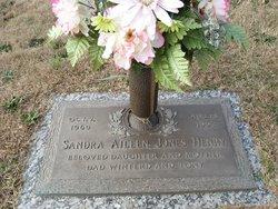 Sandra Aileen <i>Jones</i> Henry