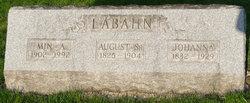 Johanna <i>Kemming</i> Labahn