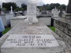 Mrs Felicianne <i>Richard</i> Alleman