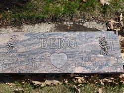 Vernona Ruth <i>Wessman</i> Berg