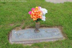 Lois Arlene <i>Graves</i> Dixon