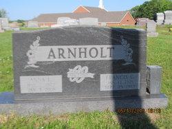 Anna L Arnholt