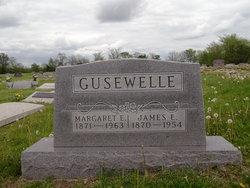 Margaret E Maggie <i>Milne</i> Gusewelle