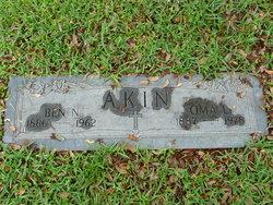 Oma L Akin