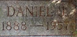 Daniel J. Smuul