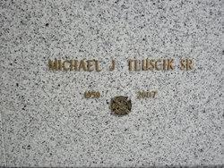 Michael J Tluscik, Sr