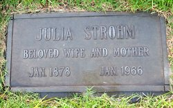 Julia Stephan/Stephens Strohm