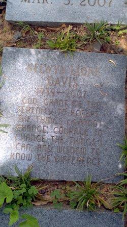 Nelwyn <i>Leone</i> Davis