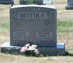 Mary S. <i>Sklepko</i> Motika