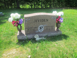 Evelyn Mae <i>Hartley</i> Jividen