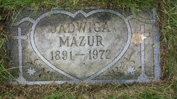Jadwiga Hattie <i>Karwacki</i> Mazur
