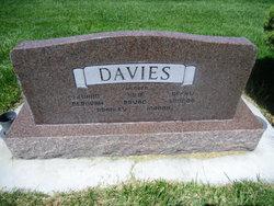Mildred LaJean <i>Farrer</i> Davies